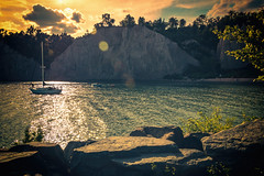 Sundown at Bluffers Park (A Great Capture) Tags: ig edge bluff cliffs beach agreatcapture agc wwwagreatcapturecom adjm toronto on ontario canada canadian photographer northamerica ash2276 ashleylduffus ald mobilejay jamesmitchell summer summertime 2016 blufferspark bluffs scarborough sunset sundown dusk sailboat yacht water lakeontario lake