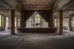 The Sound of Silence (Opiesse) Tags: urbex decay abandoned sound silence piano heilstatten