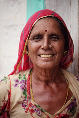 Portrait, Jaisalmer 2016 (MeriMena) Tags: woman cultures smiles faces canon450d eyes traditional rural merimena face rajasthan colors asia canon india portrates jaisalmer travel