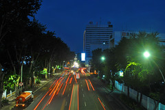 Jalan Gubernur Suryo, arah timur (BxHxTxCx (more stuff, open the album)) Tags: surabaya city kota nightshoot fotomalam