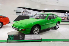 Porsche 924 - 1976 (Perico001) Tags: auto automobil automobile automobiles car voiture vehicle vhicule wagen pkw automotive ausstellung exhibition exposition expo verkehrausstellung autoshow autosalon motorshow carshow muse museum museo automuseum trafficmuseum verkehrsmuseum museautomobile duitsland germany deutschland allemange nikon df 2016 porsche ferdinandporsche zuffenhausen stuttgart oldtimer classic klassiker 924 coup audi neckarsulm 1976