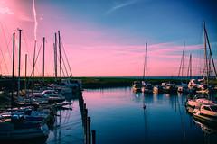 Autumn evening (Maria Eklind) Tags: streetview horizon sky vstrahamnen resundsbron malm bridge reflection cityview spegling sweden water boats city horisont himmel skneln sverige se