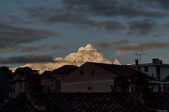 il Monviso innevato all'alba dal mio balcone (Clay Bass) Tags: 70200 monviso saluzzo clouds d750 natural nikon roofs sunrise
