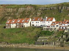 Houses overlooking the River Esk at Whitby (Ian Press Photography) Tags: whitby north yorks yorkshire houses overlooking river esk house