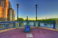 Hartford: Emancipation statue on Founders Bridge (cmfgu) Tags: hartford connecticut ct hartfordcounty foundersbridge connecticutriver emancipation statue artwork hdr highdynamicrange