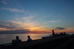 Siluettes at Sunset (Infomastern) Tags: goodnightsunset malm vstrahamnen cloud hav sea silhouette siluett sky solnedgng sunset
