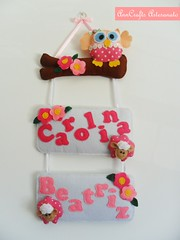 Enfeite de Porta Carolina e Beatriz I (AnnCrafts Artesanato) Tags: flowers girls flores fabric owl coruja feltro decorao ovelha enfeiteporta bonecasfeltro acessriosquartodebeb acessriosdebeb