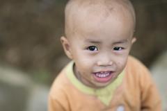 Nice kid in Sapa, Vietnam (leonardrodriguez) Tags: vietnam people visage portrait vietnamese vietnamien vietnamienne vietnamiens vietnamiti vietnamita asie asia kid enfant sourire smile sorriso laocai lao cai