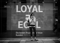 loyal (Erwin Vindl) Tags: loyal streetphotography streettogs candid blackandwhite bw monochrome vienna erwinvindl olympusomd em10markii
