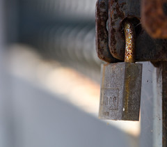 locked up (Danyel B. Photography) Tags: locked up schlos lock macro makro close nah bokeh extreme chain fence
