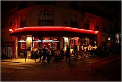 Parisian Bistro (MatthewsCamera) Tags: paris nightlife nighttime parisian bistro red cobbles pave glow streetlights nighthawk canon eos5d mkii lseries british france partytime nocturnal