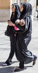 Plerinage  Qom: le bb (jfgornet) Tags: img7747 iraniens qom