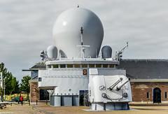 Hr.Ms. De Ruyter (Emil de Jong - Kijklens) Tags: marine marinemuseum oorlogsschip fregat museum kanon kanonnen guns canons radar brug brugdeel denhelder schip sloop kijklens grijs grey