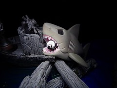Jaws (ridureyu1) Tags: jaws funko pop funkopop bobblehead mysterymini toy toys actionfigure toyphotography sonycybershotsonycybershotdscw690