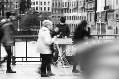 Bilbao. 2014. (Jose_Prez) Tags: bilbao blancoynegro byn bw mucica msica street streetphoto urban city movimiento ria nervin puente