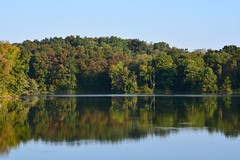 Lake Snowden (Sarah Hina) Tags: lakesnowden ohio morning clarity hills trees water