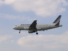 Air France Airbus A319-111 F-GRHU about to touch down at London Heathrow Airport. Captured from Myrtle Avenue.