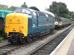 55019 and Class 421 3CIG 1498 at Ongar, EOR Epping Ongar Railway Diesel Gala 17.09.16 (Trevor Bruford) Tags: eor epping ongar heritage railway north weald br blue train diesel locomotive gala deltic d9019 9019 55019 royal highland fusilier napier ee english electric dps preservation society class 421 3cig 1498 sidings multiple unit emu slam door