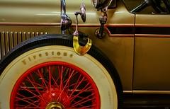 D52+1DSC_0565-1z (A. Neto) Tags: nikond5200 nikon nikkor d5200 afsnikkor35mm118g color automobile car old classiccar museum tire wheel