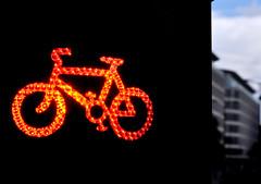'C Is For Cycle Crossing' (EZTD) Tags: eztd eztdphotography eztdphotos london londres londra londonimagenetwork londonist 2016 photos fotos londinium londonengland photosdelondres londonimages lin imagesoflondon nikond90 october2016 england foto photograph photography eztdgroup linphotos eztdfotos inglaterra angleterre ingles image allabouttheimage