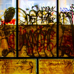 bg-1-21 (21xvd5) Tags: belgrade window graffity