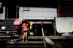 EverywhereTh (Natzkiee) Tags: color incolor streetincolor streetphotography streetphoto street everydayasia oneverystreet instagram eyeem dailydozen everybodystreet nathaniel natzkiee filipino pinoy livinginbangkok bangkok thailand passingby