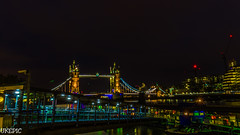 London by Night (Ukelens) Tags: uk longexposure bridge light shadow england london tower towerbridge lights pier big shadows ben londoneye bigben millenium brcke schatten lightroom langzeitbelichtung ukelens
