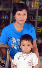 mother and son (the foreign photographer - ) Tags: light skinned mother son khlong bang bua portraits bangkhen bangkok thailand nikon d3200