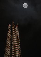 The Shard and the Full Moon (jzakariya) Tags: shard full moon difficult shot nikon d500 nikkor 70300 tip london united kingdom england observation deck jawad zakariya