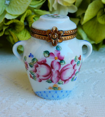 Limoges France Hand Painted Rochard Porcelain Trinket Box Ginger Jar (Donna's Collectables) Tags: limoges france hand painted rochard porcelain trinket box ginger jar