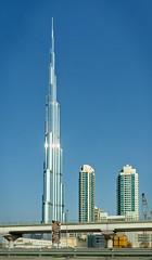Burj Khalifa, Dubai (Tiigra) Tags: 2013 architecture city dubai light shape spire tower unitedarabemirates ae pattern railroad skyscraper