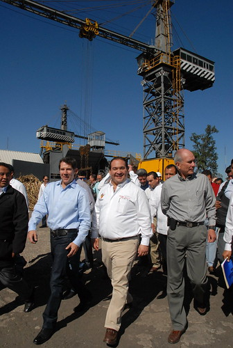 """El gobernador Javier Duarte de Ochoa dio Banderazo de Inicio a la Zafra del Ingenio """"El Carmen""""."""