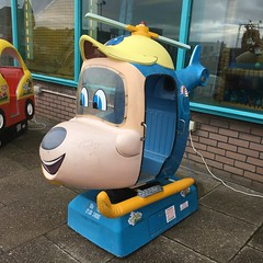 Budgie (Sam Tait) Tags: budgie childs 20p ride arcade skegness
