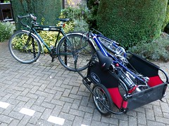 Taking A Poorly Birdy To Roll For The Soul in Bristol (samsaundersleeds) Tags: dawesgalaxy trailer touringbike riesundmller birdy foldingbike bicycle