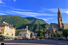 Walther Square, Bolzano, Italy (GSB Photography) Tags: bolzano bozen italy southtyrol tyrol piazzawalther duomo architecture gothic romanesque church cathedral walthervondervogelweide poet dolomites tzitheiceman tzi mountain sky plaza spire 100v10f 250v10f 1000v40f