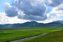 Landscape_3706 (c) Tags: nikond90 sibillini castelluccio pianogrande italia italy montagna mountain umbria nuvole clouds landscape