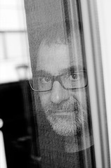 (CarlesPalacio) Tags: leica portrait reflection film window analog 35mm ventana photographer kodak retrato grain 400asa photojournalist francesc kodaktx leicam8 francescmelcion carlespalacio