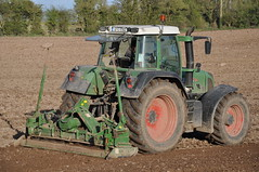Fendt 820 Vario Tractor with Amazone Power Harrow 2 (Shane Casey CK25) Tags: county ireland horse irish tractor bed hp corn power farm cork farming grain working seed till land farmer agriculture pulling maize 820 harrow tilling fodder fendt amazone vario agri tillage castlelyons