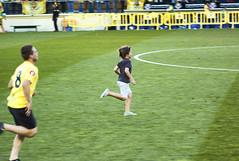 Run Forrest... (Teremin2004) Tags: football soccer futbol villareal leicam8 elmar135mmf4 ascensovillareala1