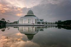 Masjid An-Nur (UTP) (saiful nizal) Tags: mosque longexposures outdoor perak bota utp saifulnizal malaysia reflextion