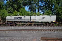 berea 044 (Fan-T) Tags: berea conrail cr coil car gondola ohio 627579 pc penn central