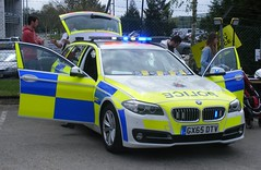 4762 - Surrey - GX65 DTV - 301 (Call the Cops 999) Tags: uk gb united kingdom great britain england vehicle vehicles emergency service services 999 112 101 police constabulary law and order enforcement surrey rpu road policing unit brooklands museum bank holiday monday 2 may 2016 bme 530d estate tourer touring gx65 dtv led lightbar battenburg