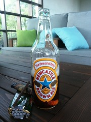 Newcastle brown ale (m_y_eda) Tags:  bottle flasche  botella bottiglia butelka garrafa bouteille yotaphone brownale beer ale