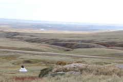 Head Smashed-In Buffalo Jump (Oldman Watershed) Tags: porcupinehills hsibj tipi firstnations culture