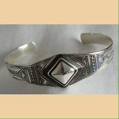 IMG_0339 (Tuareg Jewelry) Tags: tuareg jewelry jewellery finesilver silver ebony bracelets tuaregjewelry tuaregjewellery