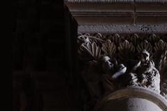 L'Epifania, a la nau central de l'esglsia romnica de Santa Maria d'Agramunt (Ramon Orom Farr [calBenido]) Tags: agramunt catalunya espaa es epifania reismagsdorient adoraci adoracin pedra piedra stone sculpture escultura marededeus marededu capitell capitel capital arquitectura arquitecture santamariadagramunt romnic romnico romanesque planadurgell planadelleida provnciadelleida catalonia catalogne catalua art arte fulles hojas bcin1mhza bcin ombra shadow sombra beatamariaacrimontis