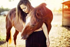 Frame of a love story (Anxhela Isaj) Tags: horse cavallo girl friends amicizia amore love sweet dolcezza abbraccio hug ragazza golden hour tramonto nature natura romance