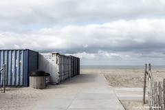 Empty Beach (Pieter Musterd) Tags: strand kijkduin container hek denhaag pietermusterd musterd canon pmusterdziggonl nederland holland nl canon5dmarkii canon5d sgravenhage thehague zuidholland paysbas thenetherlands niederlande haagspraak