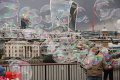 IMG_7622 (danakhoudari) Tags: bubble red white pink green man blue sky city london macro friendly smile outdoor mood scenery perspective fun canon canon7d