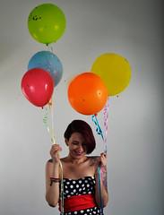 _DSC0250 (jozhycardona) Tags: model modelo inked girl red hair photoshoot honduras photography greatshot confetti fun colorfull colores globos cintas vestidos fashion tattoos tatuajes inspired funny umbrella estudio photostudio colors